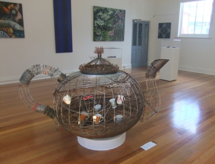 Teapot Sculpture Glenorchy Open