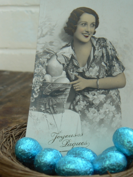 Easter Joyeuses Paques Nest Eggs French Vintage Postcard