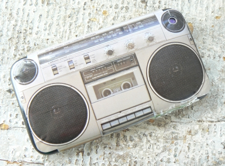 Cell Phone 3G iphone retro boom box cassette player