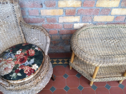 Home Country Style Cane Wicker Tiled Outdoor Furniture Porch