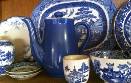 Home Willow Country Style Blue White Crockery Teapot Collection
