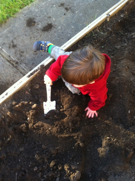 Dig Dig Dig toddler garden dirt soil spade